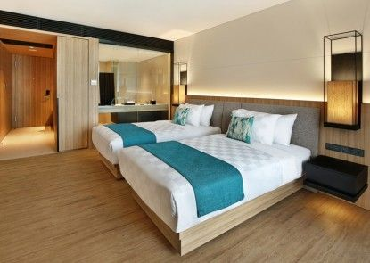 Royal Tulip Gunung Geulis Resort & Golf Teras