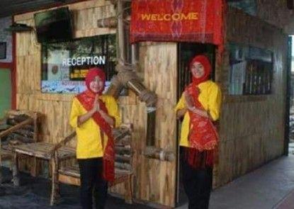 Royyan Inn - Backpacker Hostel Kualanamu Penerima Tamu