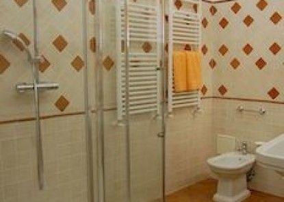 RSH Spanish Steps Apartments