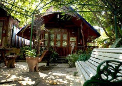 RuenNamyen Resort