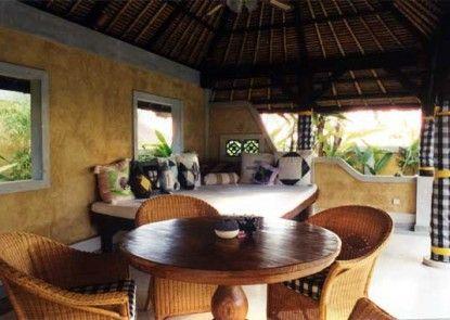 Rumah Bali Bed & Breakfast Teras