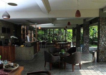 Rumah Batu Villa and Spa Lobby