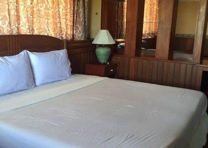 Sabai Hotel & Plaza