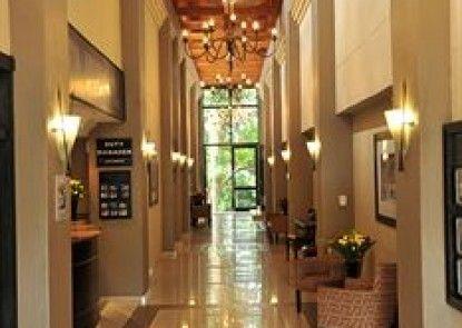 Safari Lodge Hotel & Convention Centre