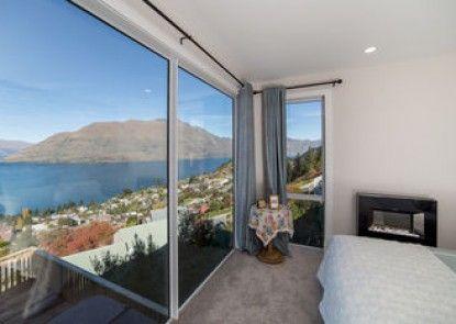 Sagittarius DH Lake View Villa