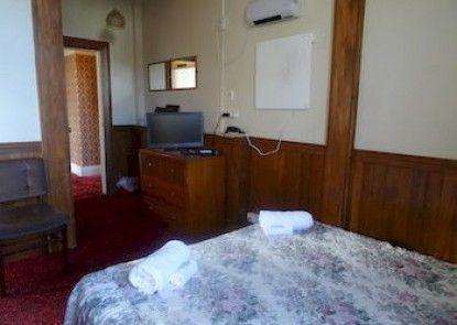 Sahara Guesthouse, Motel & Deluxe Studios
