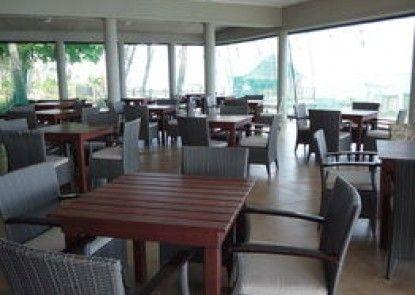 Saletoga Beach Bungalows & Hotel