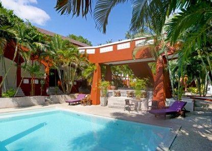 Sallamai Resort Kolam Renang