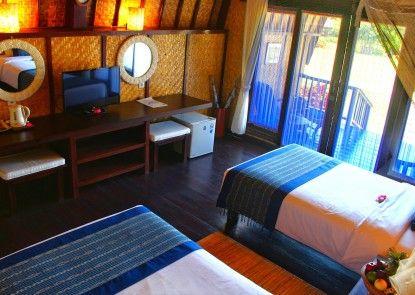 Samawa Seaside Cottages Teras