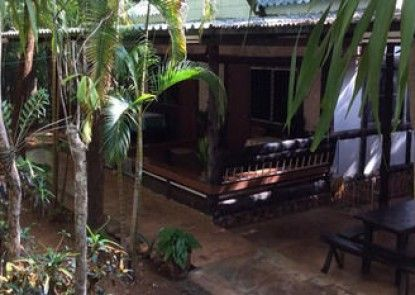 Sam\'s Jungle Guesthouse