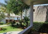 Pesan Kamar Bungalow Junior, Pemandangan Kebun di Sanae Beach Club