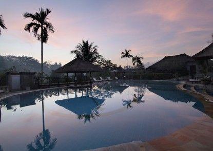 Santi Mandala Resort and Spa Kolam Renang
