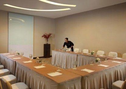 Santika Premiere Dyandra Hotel & Convention Medan Ruang Pertemuan