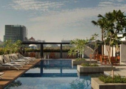 Santika Premiere Dyandra Hotel & Convention Medan Kolam Renang