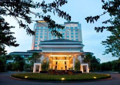 Hotel Santika Premiere Slipi Jakarta Eksterior