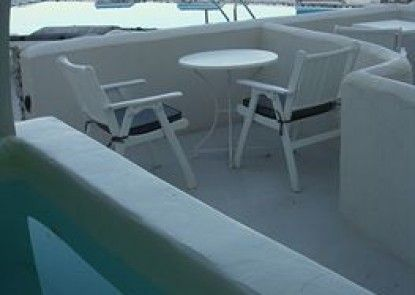 Santorini\'s Balcony Art Houses