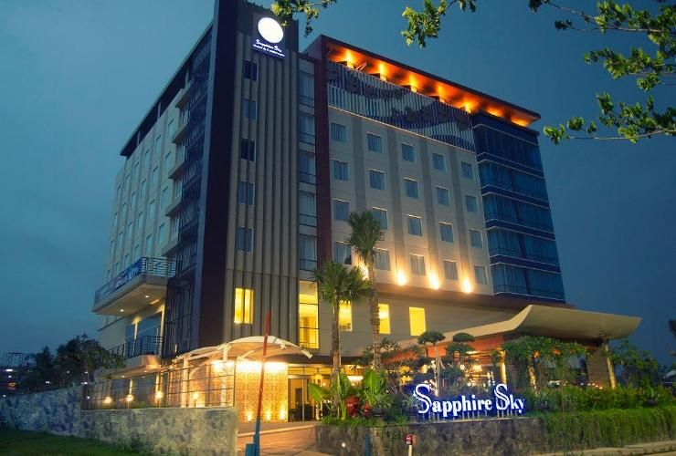 Sapphire Sky Hotel & Conference,Stasiun Tangerang (TNG)