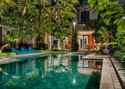 Sara Residence by Nakula Management Kolam Renang
