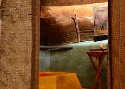 Saraya Art Cafe Bed and Breakfast