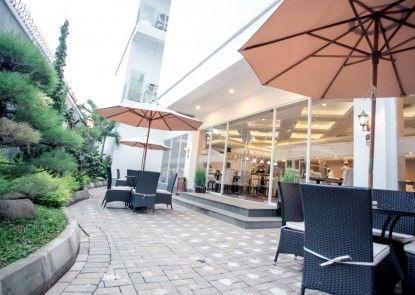 Savero Hotel Depok Rumah Makan