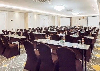 Savero Hotel Depok Ruangan Meeting