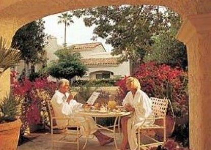 Scottsdale Plaza Resort Teras