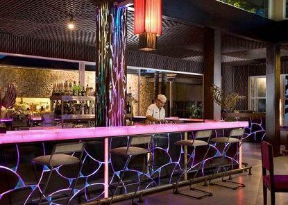 Segara Village Hotel Bar