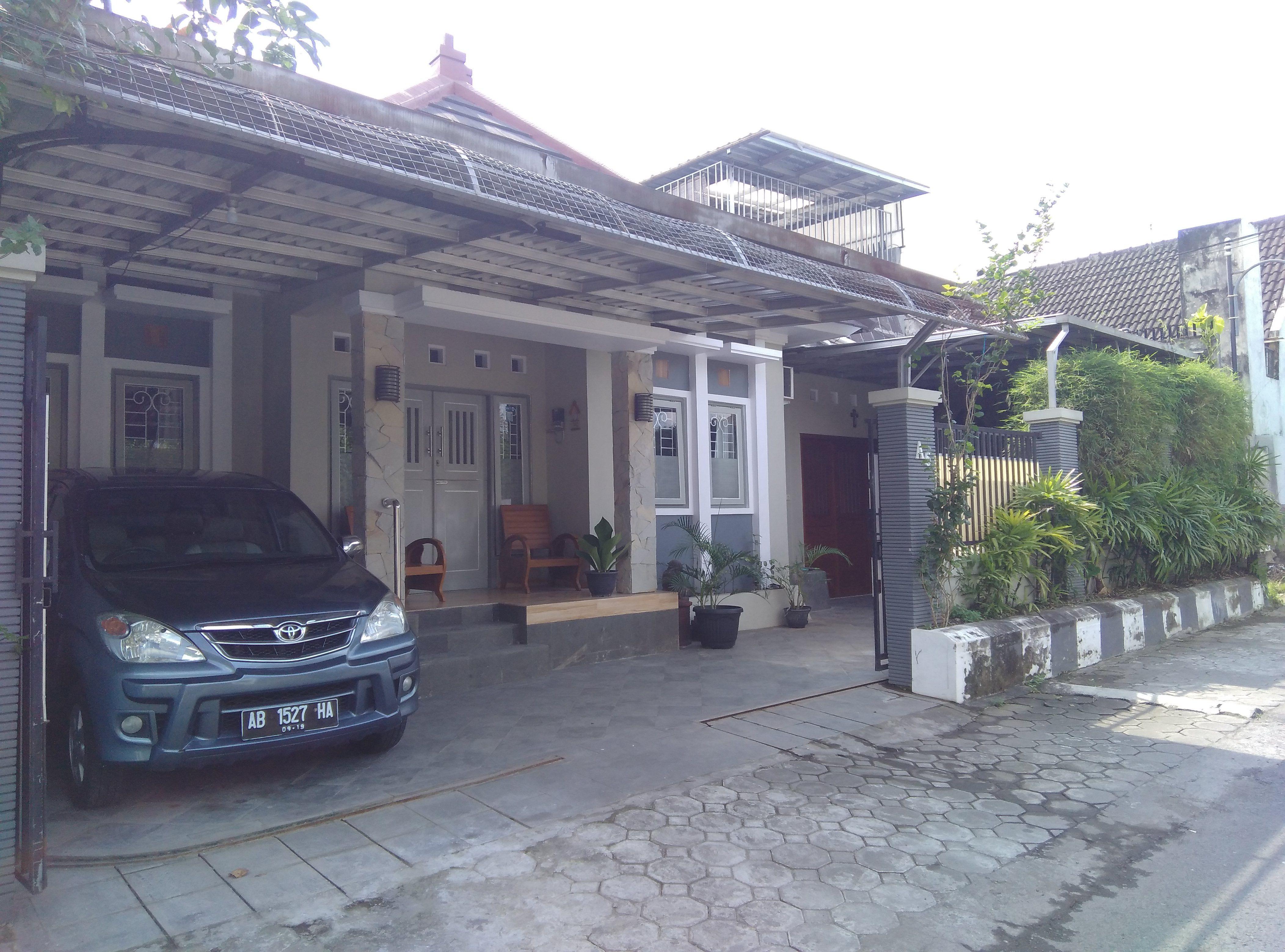 Budget Family 3 bedrooms at Sekar Melati Homestay Jogja, Yogyakarta
