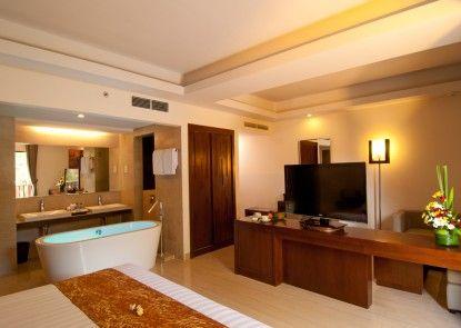 Sense Hotel Seminyak Ruangan Suite