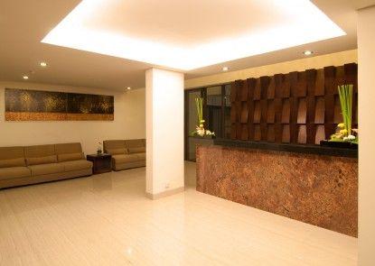 Sense Hotel Seminyak Lobby