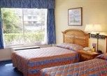Pesan Kamar Kamar Double, 2 Tempat Tidur Double, Di Pinggir Kolam Renang di Seralago Hotel & Suites Main Gate East