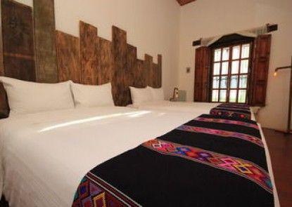 Sereno Art Hotel