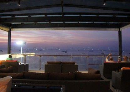 Serenotel Pattaya Beach Front