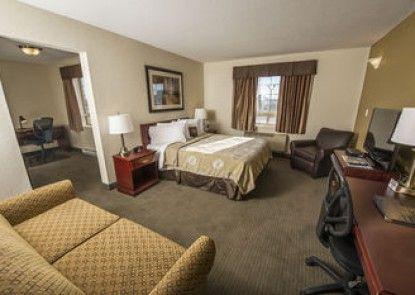 Service Plus Inn and Suites - Grande Prairie