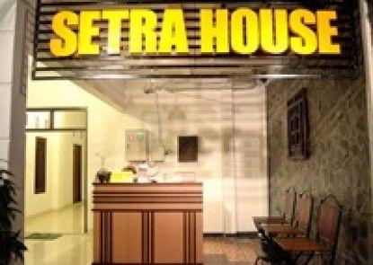 Setra House Penerima Tamu