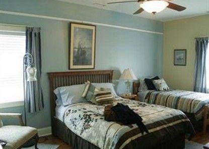 Seven Oaks Bed and Breakfast