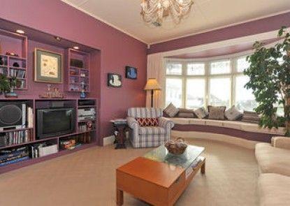 Shelbourne Villa