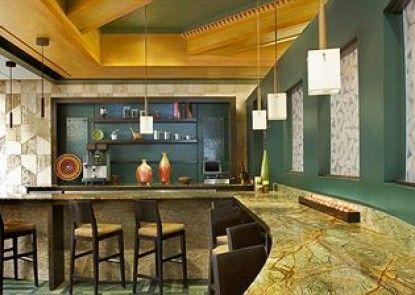 Sheraton Anchorage Hotel and Spa Teras