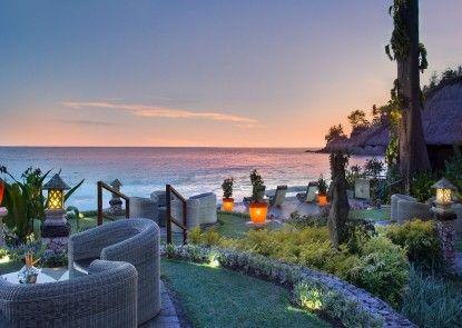 Sheraton Senggigi Beach Resort Lounge
