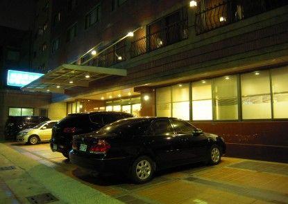 Shihzuwan Hotel - Kaohsiung Station