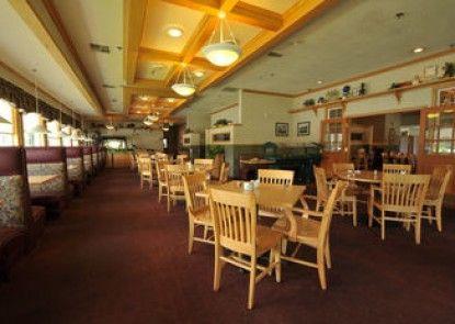 Shilo Inn Suites Hotel - Nampa Suites - Idaho