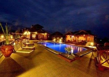 Shwe Inn Tha Floating Resort Hotel