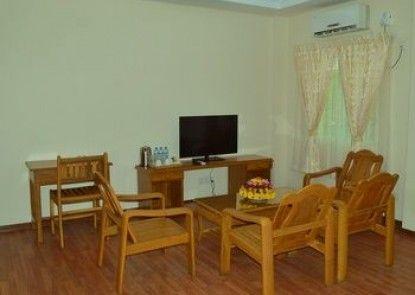Shwe Poe Eain Hotel 1