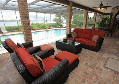 Siesta Key Pool Homes by RVA