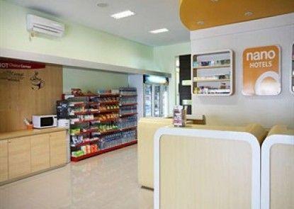 Simple Inn Solo Lobby