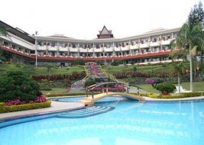 Sinabung Hotel Kolam Renang