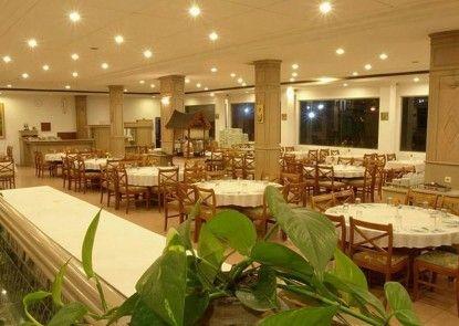 Sinabung Hotel Rumah Makan
