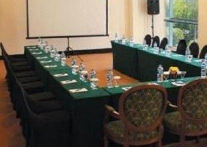 Sintesa Peninsula Hotel Palembang Ruangan Meeting