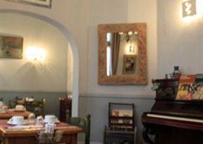 Sisley Hotel