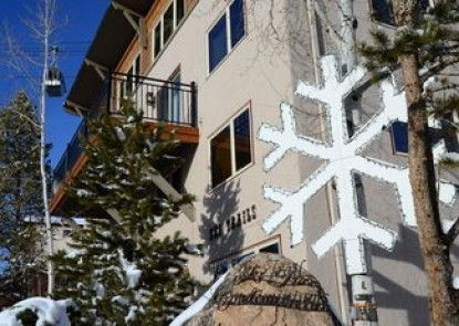 Ski Trail Condominiums by Mountain Resorts